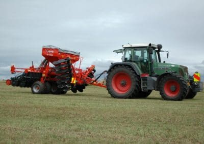 Kuhn SD4000 following a Fendt tractor